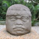 蚊に集られながら模擬ジャングル体験:ラべンタ遺跡公園