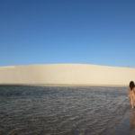 眩しい!白い砂丘と湖:レンソイス・マラニャンセス