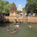 珍!プール付ヒンズー寺院マハクータ:バダミ近郊
