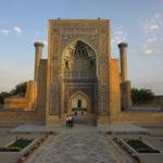 闇両替や面倒な書類は過去の話︰ウズベキスタン