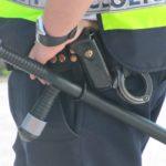 頬を引っ叩き棒で打つ警官:痴漢を警察へ引渡した話